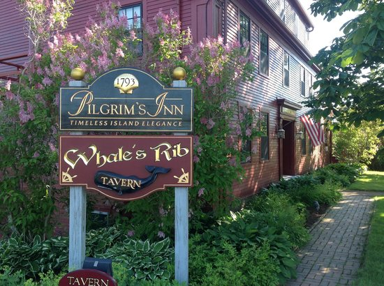 Pilgrim's Inn: front entry