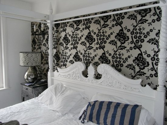 The Bull Hotel: Traditional yet modern - boutique is the term I think!
