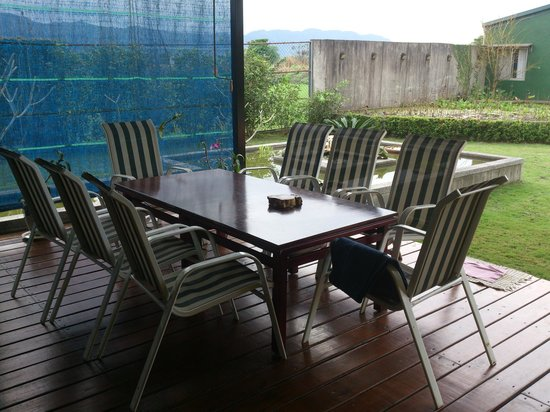 Casa de Angie B&B: 屋外的休憩地方