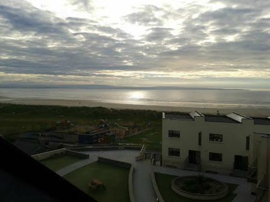 Ocean Sands Hotel: view at sundown from room 214
