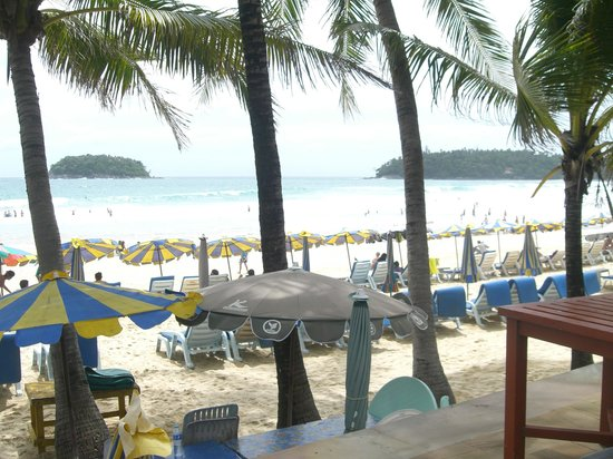 Kata Beach Resort and Spa: .Right on the beach.