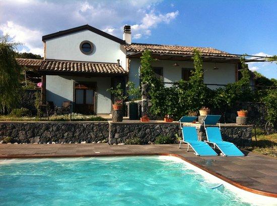 Villa Rosa  Etna Bed & Breakfast : Villa in the vineyards