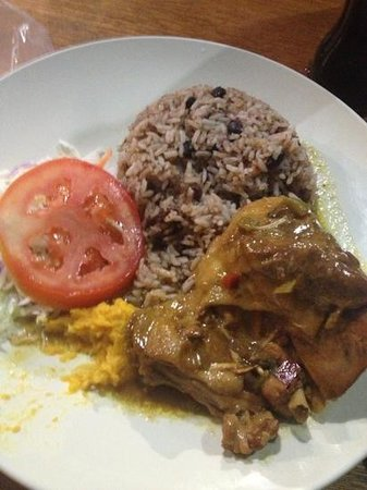 Restaurante Lidia's Place: chicken with Caribbean sauce- my favorite so far in PV!