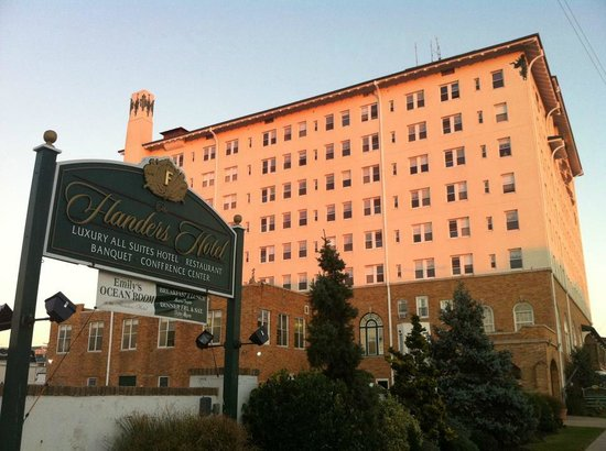 The Flanders Hotel: hotel