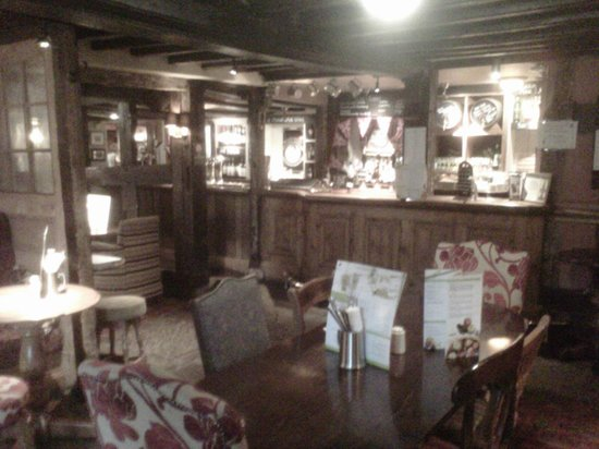 Innkeeper's Lodge Sandbach Homes Chapel: pic of bar area