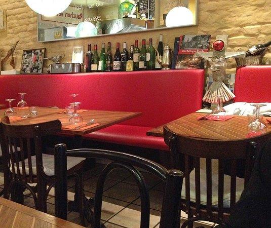 Sascha Rotisserie & Bar: Bei Sascha im Oberstübchen!