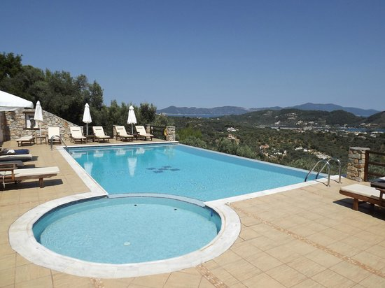 Skiathos Garden Cottages: Pool area