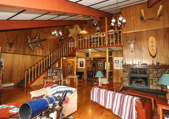 Black Cat Guest Ranch Lodge