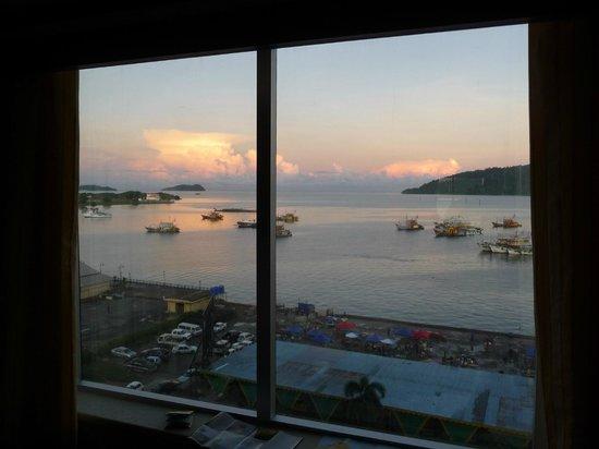 Le Meridien Kota Kinabalu: hotel view 1