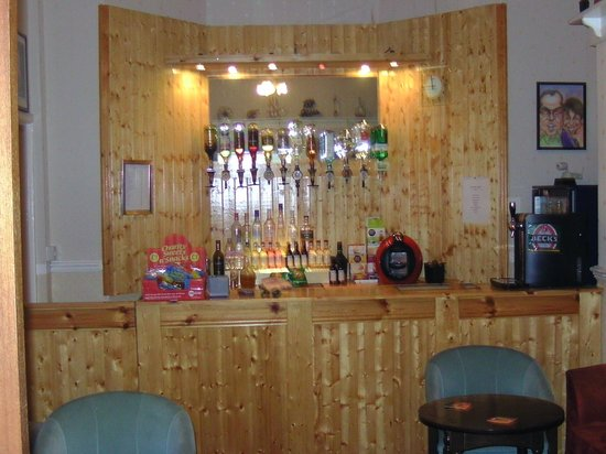 Boundary Hotel: bar area with comfy seating