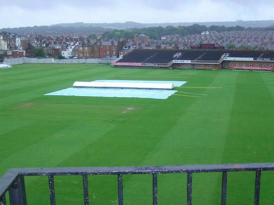 Boundary Hotel: view of cricket grounds from hotel balcony