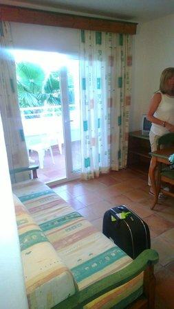 Cala Llenya Resort Ibiza: Living area