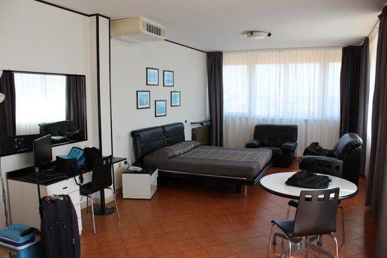 Park Hotel Residence: Altra angolazione della Suite
