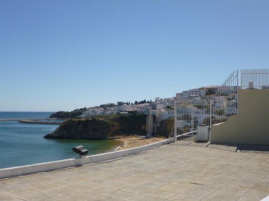 Real Bellavista Hotel & Spa: LIFT TO THE BEACH