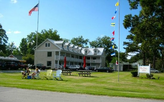 River Neuse Suites: The River Neuse Inn, Oriental, NC