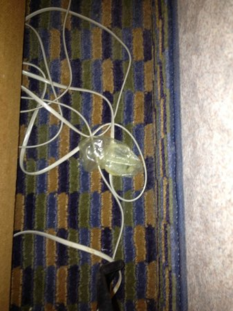 Comfort Inn Kenora: safe by bedside table in room