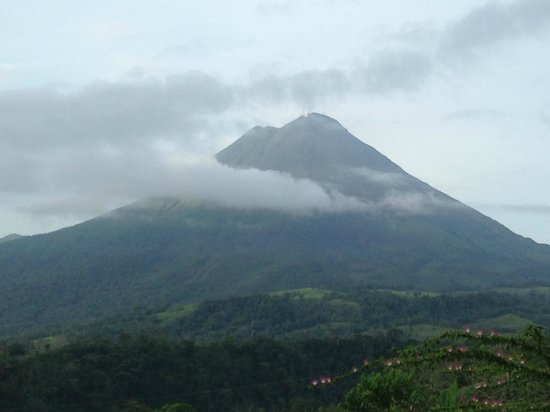 The Springs Resort and Spa: Tha arenal volcano