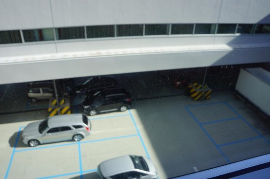 Sheraton Milan Malpensa Airport Hotel & Conference Centre: Room View