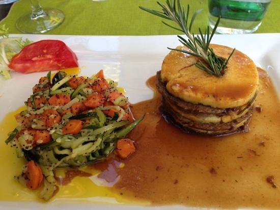 Hotel Restaurant Villa Glanum Saint Remy de Provence : Le mille feuilles agneau polenta
