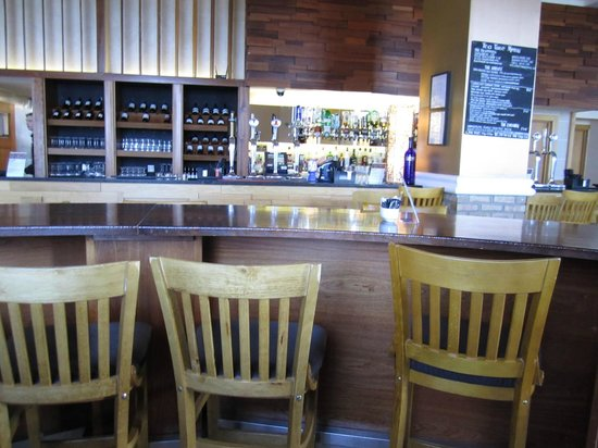 Counties Restaurant : The Bar...See Jason For Superb Service!