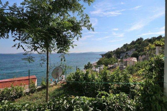 Nevio Camping: Blick aus dem Bungalow