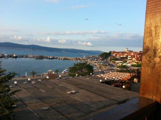 Hemingways: Nice View