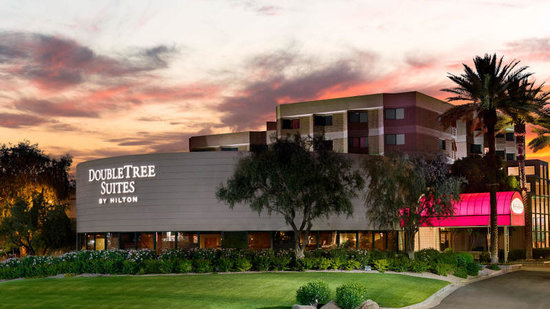 DoubleTree Suites by Hilton Hotel Phoenix: Welcome to the DoubleTree Suites