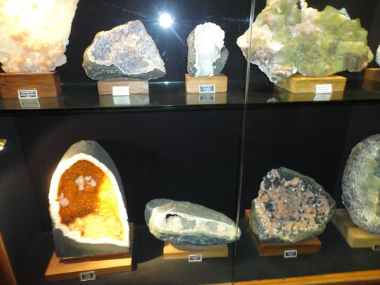 Sinnar, Indie: samples of natural minerals