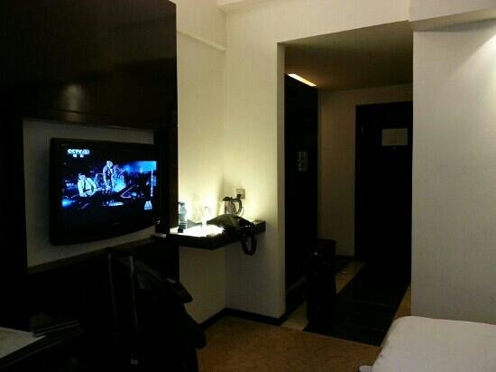 Sapphire Hotel: spacious room