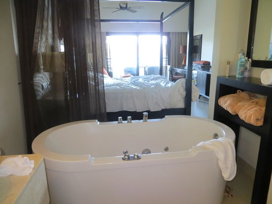 Secrets Wild Orchid Montego Bay: Room with jacuzzi