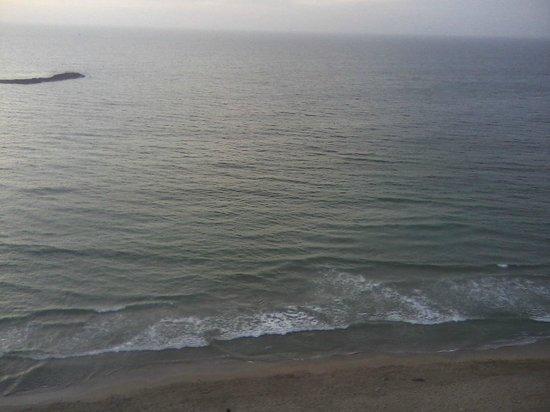 Hilton Alexandria Corniche: front view of the room