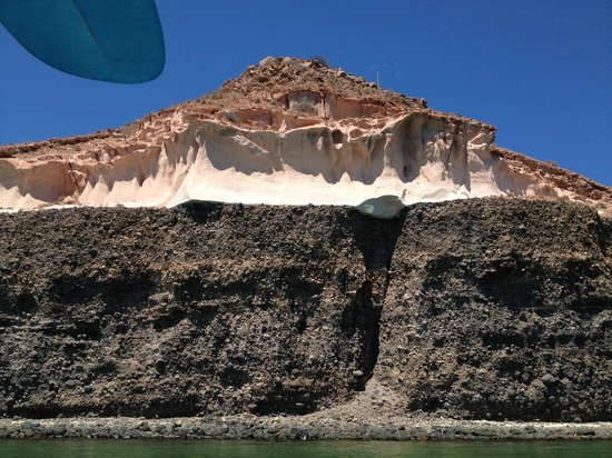 Espiritu & Baja Tours: Rock formation - you'll see at lot of these