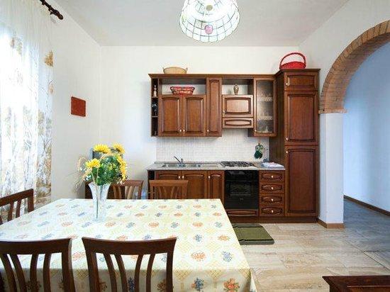 soggiorno/angolo cottura - picture of casa dei pini, cortona ... - Soggiorno Angolo Cottura Immagini