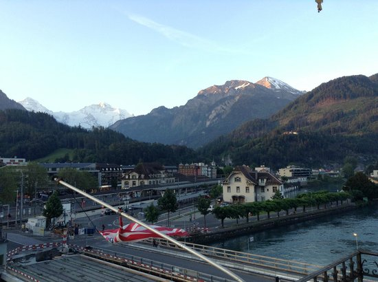 Hotel Central Continental: Very close to Interlaken West Station