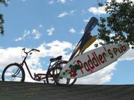 Paddler's Pub at Mountain Whitewater Descents: Paddler's Pub