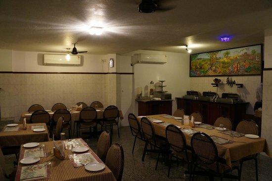 Pondicherry Executive Inn Pvt Ltd : Restaurant