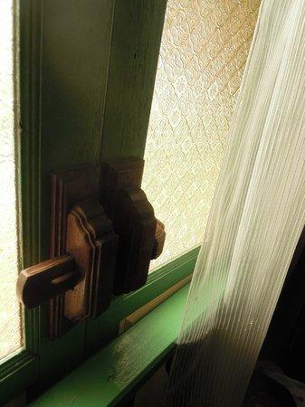 Baan Tepa: Window