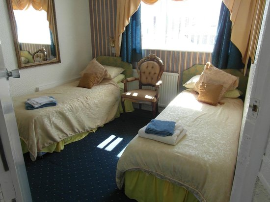 Falklands Hotel : family rooms