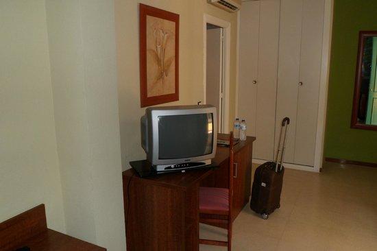 Hotel JM Jardin de la Reina : La televisión