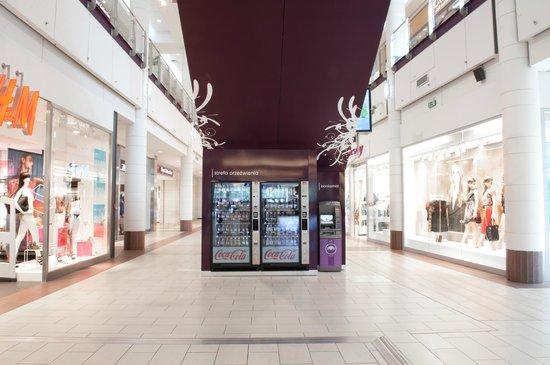 Galeria Mokotow: Automaty z napojami dostępne na 2 poziomach Galerii Mokotów