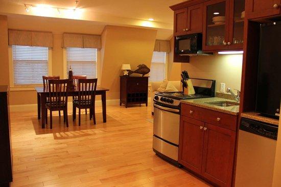 Atlantic House Inn : Condo - Gourmet kitchenette