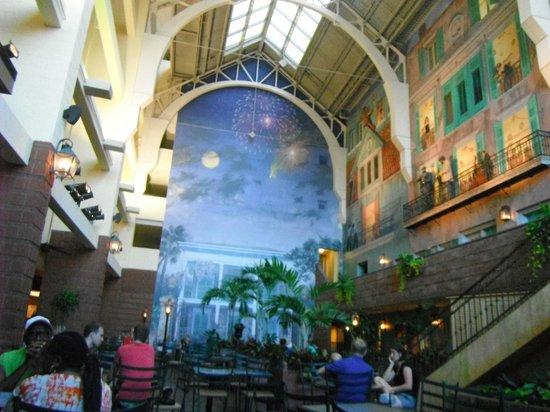 Embassy Suites by Hilton New Orleans - Convention Center: atrium
