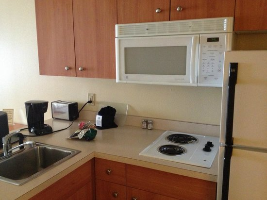 Best Western Plus Navigator Inn & Suites: a closer view of the kitchen area