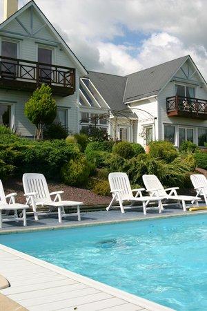 L'Abri-Cotier : La splendide piscine chauffée.