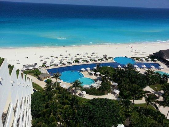 Sevice at its finest picture of live aqua beach resort cancun cancun tripadvisor for How many rooms at live aqua cancun