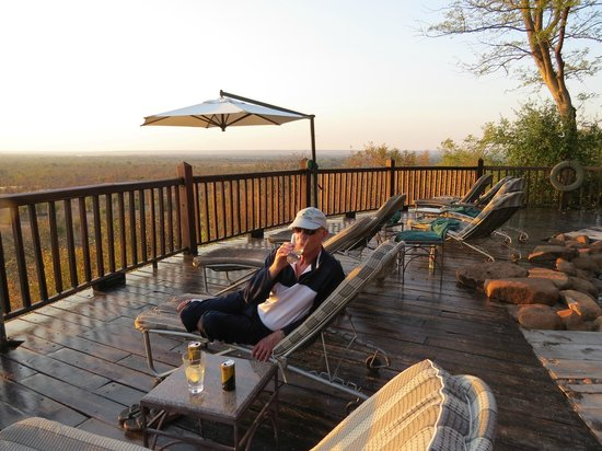 Victoria Falls Safari Lodge: Pool Deck