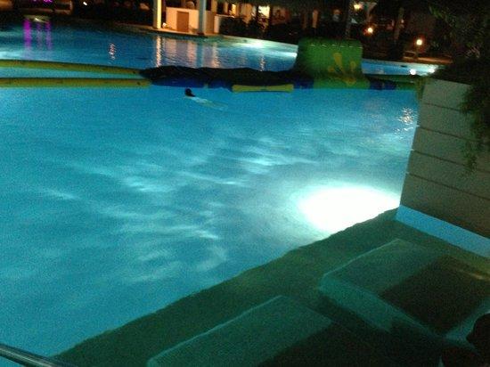 Paradisus Playa Del Carmen La Esmeralda: Walk out Pool room.
