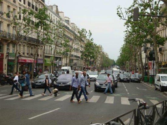 Hotel Liege Strasbourg: street traffic