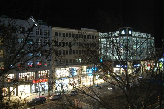 Berliner Hof Hotel : Night view from Berliner Hof