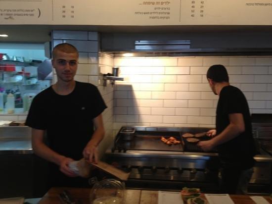 Burgers Bar - PIsgat Zeev: Open Kitchen